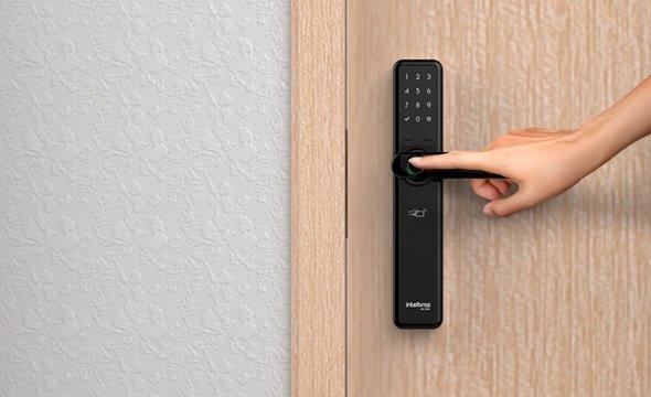 FR700-utilize-sua-senha-biometria-tag-e-ou-chave